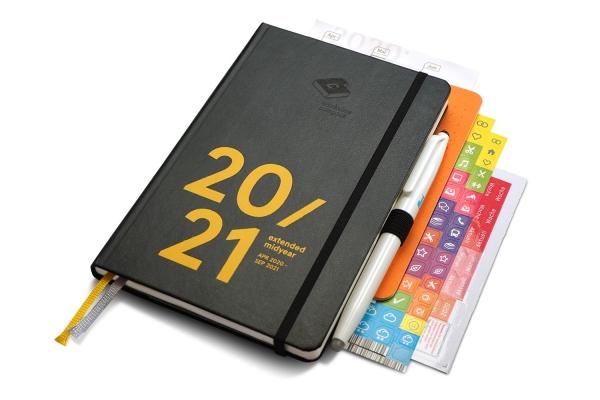 compact extended midyear 2020/21 Premium - mit Froschtasche, Stiftschlaufe, Frixion Stift, Notizheft
